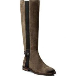 Oficerki MARC O'POLO - 708 14228001 304 Taupe 717. Szare buty zimowe damskie Marc O'Polo, z materiału, przed kolano, na wysokim obcasie, na obcasie. W wyprzedaży za 559,00 zł.