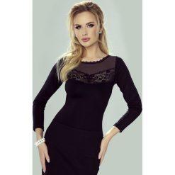 Elegancka damska bluzka Cyntia. Szare bluzki asymetryczne Astratex, w koronkowe wzory, z elastanu, eleganckie. Za 78,99 zł.
