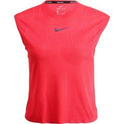 Nike Performance DRY SLAM Tshirt basic action red/midnight navy. Czerwone topy sportowe damskie marki Nike Performance, xl, z materiału. W wyprzedaży za 155,35 zł.