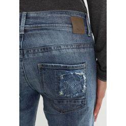 Betty & Co Jeansy Slim fit blue denim. Niebieskie jeansy damskie Betty & Co, z bawełny. W wyprzedaży za 291,85 zł.
