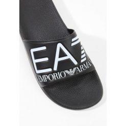 EA7 Emporio Armani SEA WORLD VISIBILITY SLIPPER Sandały kąpielowe nero. Niebieskie kąpielówki męskie marki Polo Ralph Lauren, m, z bawełny. Za 149,00 zł.
