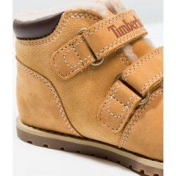 Timberland POKEY PINE WARM LINED Botki wheat. Brązowe buty zimowe damskie Timberland, z materiału. W wyprzedaży za 271,20 zł.