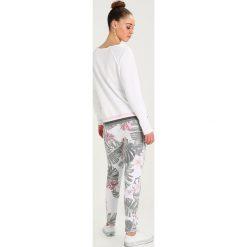 Juvia FLOWER PRINT JOGGER Spodnie treningowe multi. Szare spodnie dresowe damskie Juvia, xs, z bawełny. W wyprzedaży za 521,10 zł.