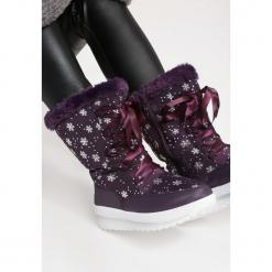 Fioletowe Śniegowce Enumeration. Fioletowe buty zimowe damskie marki NEWFEEL, z poliesteru, do biegania. Za 89,99 zł.