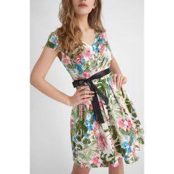 Sukienki: Sukienka rozkloszowana