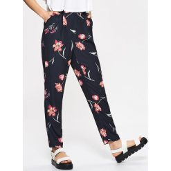 Spodnie z wysokim stanem: Materiałowe spodnie high waist – Czarny