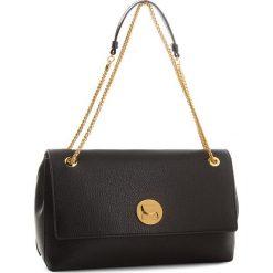 Torebka COCCINELLE - CD0 Liya E1 CD0 12 02 01 Noir/Noir 001. Czarne torebki klasyczne damskie Coccinelle, ze skóry. W wyprzedaży za 1079,00 zł.