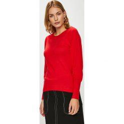 Only - Sweter. Czerwone swetry klasyczne damskie ONLY, l, z dzianiny, z okrągłym kołnierzem. W wyprzedaży za 99,90 zł.