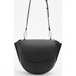 Duża torebka typu saddle bag - Czarny. Czarne torebki klasyczne damskie Reserved, duże. Za 129,99 zł.