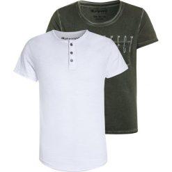 Blue Effect 2 PACK Tshirt z nadrukiem weiß/oliv. Zielone t-shirty męskie z nadrukiem Blue Effect, z bawełny. Za 149,00 zł.