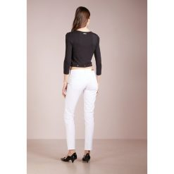 BOSS CASUAL RIENNE Jeansy Slim Fit natural. Brązowe boyfriendy damskie BOSS Casual. Za 509,00 zł.