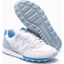 New Balance - Buty WR996STH. Szare buty sportowe damskie marki New Balance, z materiału. W wyprzedaży za 269,90 zł.