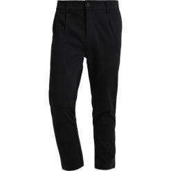 Spodnie męskie: Only & Sons ONSSTRIPE Chinosy black/white stripes