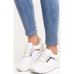 Białe Buty Sportowe Take a Look. Pomarańczowe buty sportowe damskie marki Born2be, z materiału. Za 79,99 zł.
