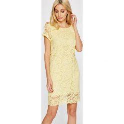 Answear - Sukienka Garden of Dreams. Szare sukienki balowe marki ANSWEAR, l, z koronki, z okrągłym kołnierzem, z krótkim rękawem, mini, proste. W wyprzedaży za 89,90 zł.