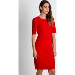 Sukienki balowe: Klasyczna czerwona sukienka z krótkim rękawem BIALCON
