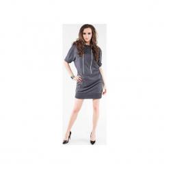 Sukienka z dresówki z dwoma pionowymi zamkiem SL2164. Czarne sukienki balowe marki Soleil, na imprezę, s, w kolorowe wzory, z bawełny, z długim rękawem, mini, dopasowane. Za 129,00 zł.