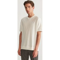 T-shirt z bawełny organicznej - Kremowy. Białe t-shirty męskie Reserved, l, z bawełny. Za 59,99 zł.