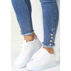 Biało-Różowe Buty Sportowe Something Stupid. Czerwone buty sportowe damskie marki KALENJI, z gumy. Za 69,99 zł.