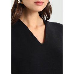 T-shirty damskie: Karen by Simonsen DANDY V NECK Tshirt basic black