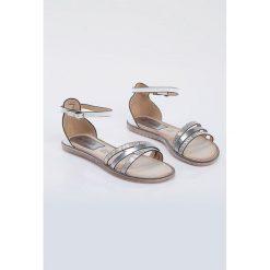 Sandały damskie: Sandały z barwnymi paskami