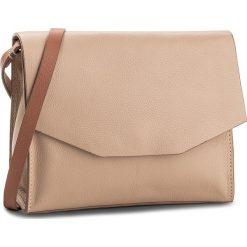 Torebka CLARKS - Treen Island 261320990 Pink Leather. Brązowe torebki klasyczne damskie Clarks. W wyprzedaży za 199,00 zł.