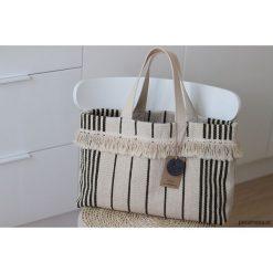 Kremowa torebka w oliwkowe pasy limitowana edycj. Białe torebki klasyczne damskie Pakamera. Za 110,00 zł.