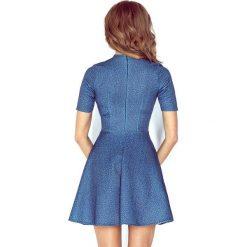 Isabella Sukienka z półgolfem i krótkim rękawkiem - JEANS GRANAT. Niebieskie sukienki mini marki morimia, s, z jeansu, z krótkim rękawem. Za 149,99 zł.