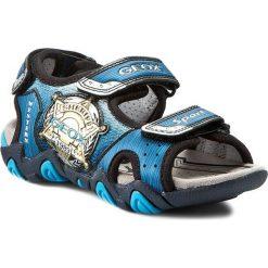 Sandały GEOX - J Sand Strike A J6224A 014CE C0693 Morski/J.Niebieski. Niebieskie sandały chłopięce Geox, z materiału. W wyprzedaży za 179,00 zł.