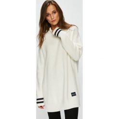 Calvin Klein - Sweter. Szare swetry klasyczne damskie marki Calvin Klein, l, z bawełny, z golfem. Za 579,90 zł.