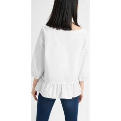 Bluzki damskie: Bluzka z falbanami