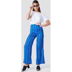 Spodnie z wysokim stanem: NA-KD Spodnie dzwony w paski z wysokim stanem – Black,Blue