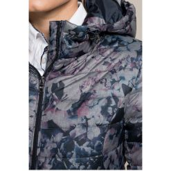 Answear - Kurtka. Szare kurtki damskie pikowane marki ANSWEAR, s, z materiału. W wyprzedaży za 149,90 zł.