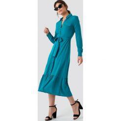 Trendyol Sukienka koszulowa z falbaną - Turquoise. Szare sukienki na komunię marki Trendyol, na co dzień, z elastanu, casualowe, midi, dopasowane. Za 100,95 zł.