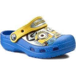 Klapki CROCS - Cc Minions Clog 201311 Varsity Blue/Yellow. Niebieskie klapki chłopięce marki Crocs, z tworzywa sztucznego. Za 149,00 zł.