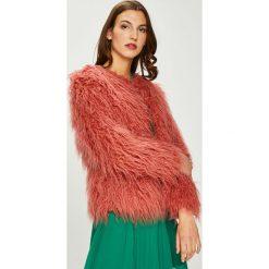 Pepe Jeans - Kurtka Gilda. Różowe kurtki damskie jeansowe Pepe Jeans, l, z haftami. W wyprzedaży za 769,90 zł.