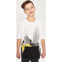 Odzież chłopięca: T-shirt z kieszenią – Biały