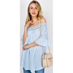 Bluzki, topy, tuniki: Błękitna bluzka hiszpanka z koronkowym dekoltem