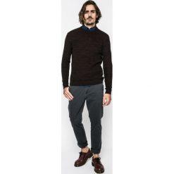 Medicine - Sweter Lord and Master. Czarne swetry klasyczne męskie marki MEDICINE, l, z bawełny, z okrągłym kołnierzem. W wyprzedaży za 79,90 zł.