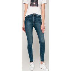 Vero Moda - Jeansy Sophia. Niebieskie jeansy damskie Vero Moda, z bawełny, z podwyższonym stanem. W wyprzedaży za 119,90 zł.