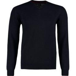 Barbour HARROW Sweter dark navy. Niebieskie swetry klasyczne męskie Barbour, m, z kaszmiru. Za 599,00 zł.