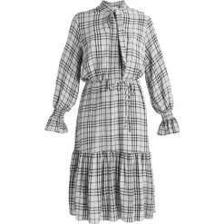 Sukienki hiszpanki: JUST FEMALE NOELE DRESS Sukienka letnia grey