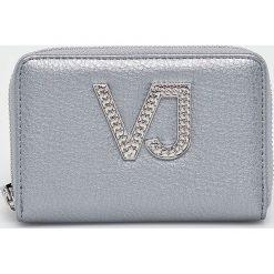 Versace Jeans - Portfel. Niebieskie portfele damskie Versace Jeans, z jeansu. W wyprzedaży za 249,90 zł.