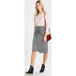 Swetry klasyczne damskie: Soyaconcept DOLLIE Sweter rose melange