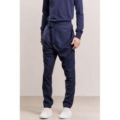Spodnie męskie: Vivienne Westwood SERGE ALCOHOLIC Spodnie materiałowe navy