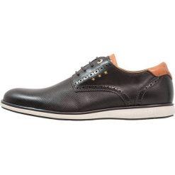 Pantofola d`Oro SANGRO UOMO LOW Sznurowane obuwie sportowe black. Czarne buty sportowe męskie Pantofola d`Oro, z materiału, na sznurówki. W wyprzedaży za 367,20 zł.