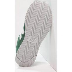 New Balance KL220 Tenisówki i Trampki green. Szare trampki chłopięce marki New Balance, na lato, z materiału. Za 249,00 zł.