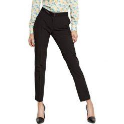 Spodnie z wysokim stanem: Spodnie w kolorze czarnym