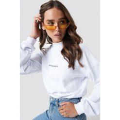 Bluzy damskie: NA-KD Bluza Nothing Personal - White