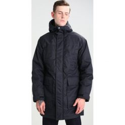 Wemoto SIMIN Płaszcz zimowy dark navy. Niebieskie płaszcze zimowe męskie marki Wemoto, m, z materiału. W wyprzedaży za 417,45 zł.